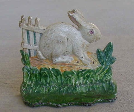 Rabbit by Fence.JPG (88749 bytes)